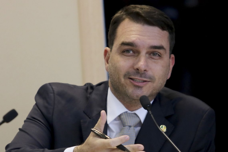 Esta é a primeira vez desde 6 de dezembro de 2018 que o senador faz um elogio público a Queiroz