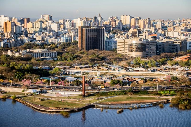 Completando 247 anos nesta terça-feira, cidade vem ganhando potencial para negócios em diferentes regiões