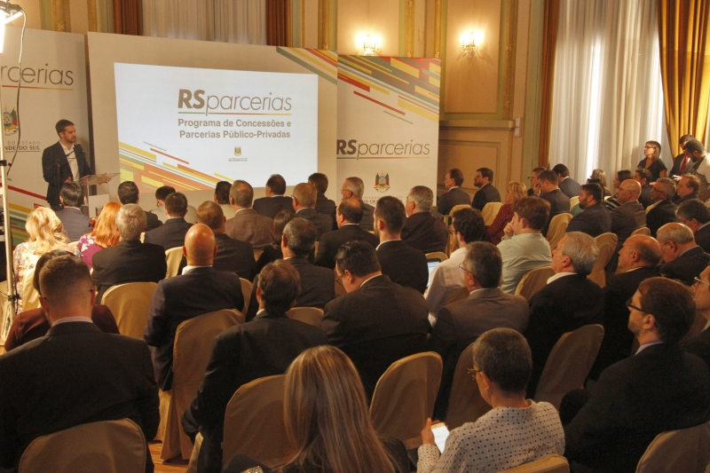 Eduardo Leite anunciou o pacote de concessões dentro do programa RS Parcerias