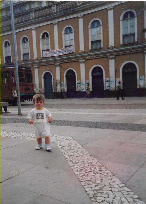Isa foi levada pela mãe ao Mercado Público antes de seu um aninho