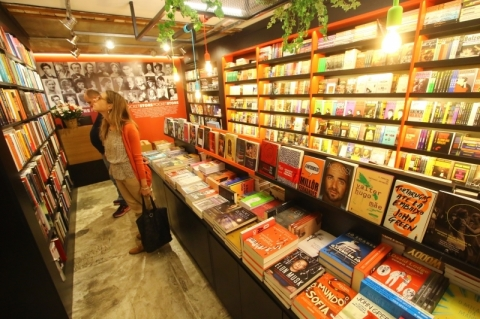 Vendas de livros crescem no Natal, mas mercado editorial encolhe em 2019
