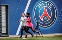 Mais de dois meses após fratura,Neymar volta a treinar no PSG