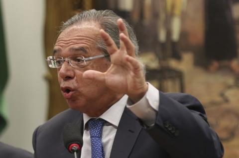 Guedes estuda antecipar repasses de recursos do megaleilão de petróleo aos estados
