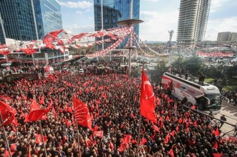 Partido de Erdogan sofre derrota em eleições