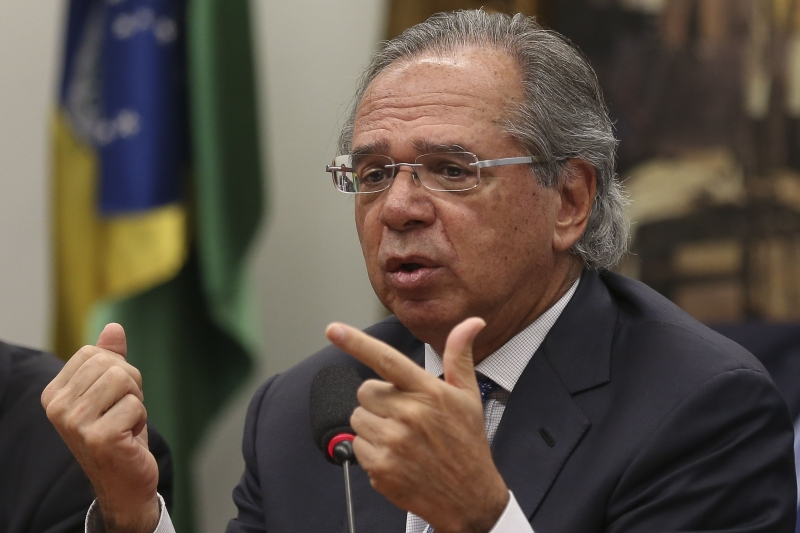 Ministro da Economia acena  com proposta aos governos