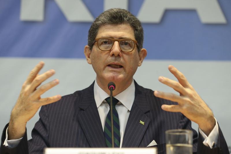 Joaquim Levy defende medidas mais radicais para retomar a confiança