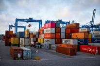 Governo corrige mais dados da balança comercial e diferença chega a US$ 6,4 bilhões