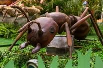 Exposição leva réplicas de animais gigantes ao Park Shopping Canoas