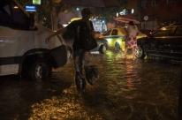 Sobe para sete o número de mortos em temporal no Rio; há desaparecidos