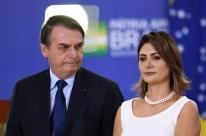 Michelle está arrasada, diz Bolsonaro após revelações sobre família