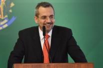 Governo Bolsonaro exclui humanas de edital de bolsas de iniciação científica