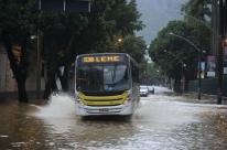 Prefeitura do Rio usará escolas como abrigos em caso de temporal