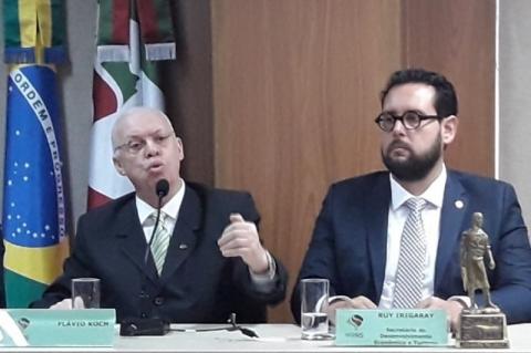 Nova diretoria toma posse na Junta Comercial, Industrial e Serviços do Estado