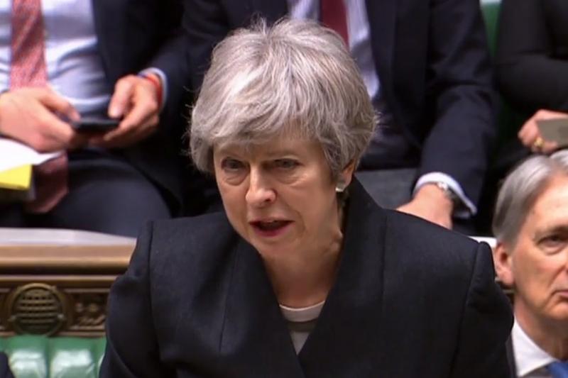 May defendeu que seu projeto de lei virá 'com um pacote melhorado de medidas'