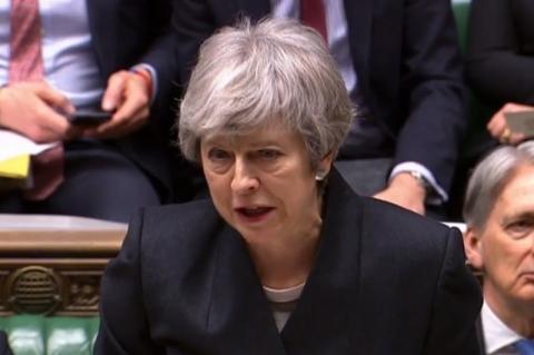 Estou oferecendo um novo acordo para o Brexit, diz Theresa May