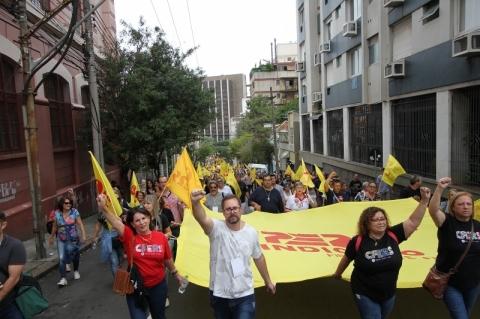 Em assembleia, Cpers decide permanecer em estado de greve