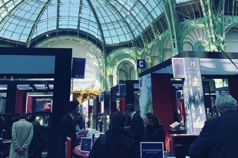 Salão em Paris é palco da maior biblioteca efêmera do mundo