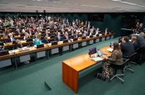 CCJ da Câmara inicia sessão com mais de uma hora de atraso e sem acordo