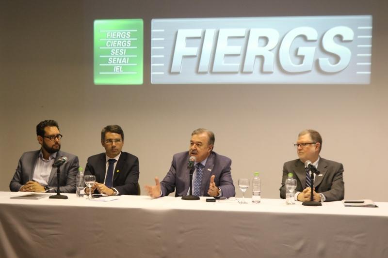 Petry citou entraves que oneram a economia e promovem perdas de competitividade