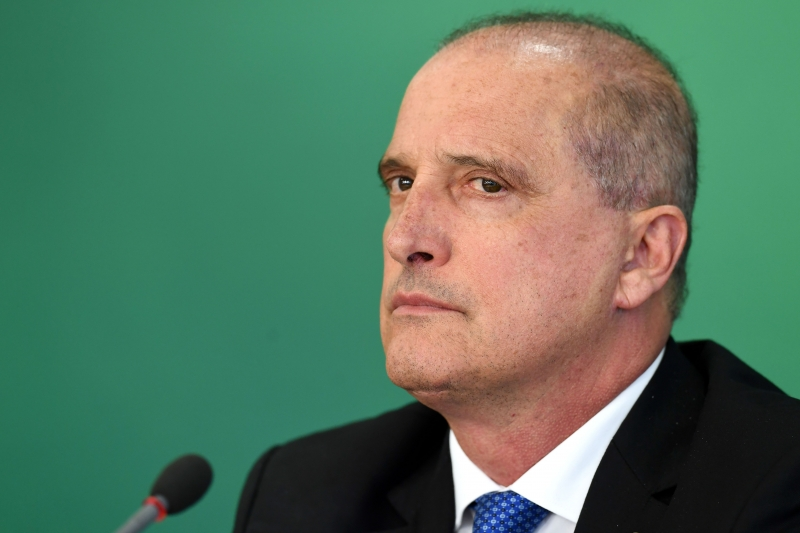 Brazil's Chief of Staff Onyx Lorenzoni offers a press conference to announce measures to support truck drivers and prevent future strikes, at Planalto Palace in Brasilia, on April 16, 2019. (Photo by EVARISTO SA / AFP)       Caption