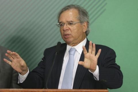 Guedes e Araújo divergem sobre política comercial