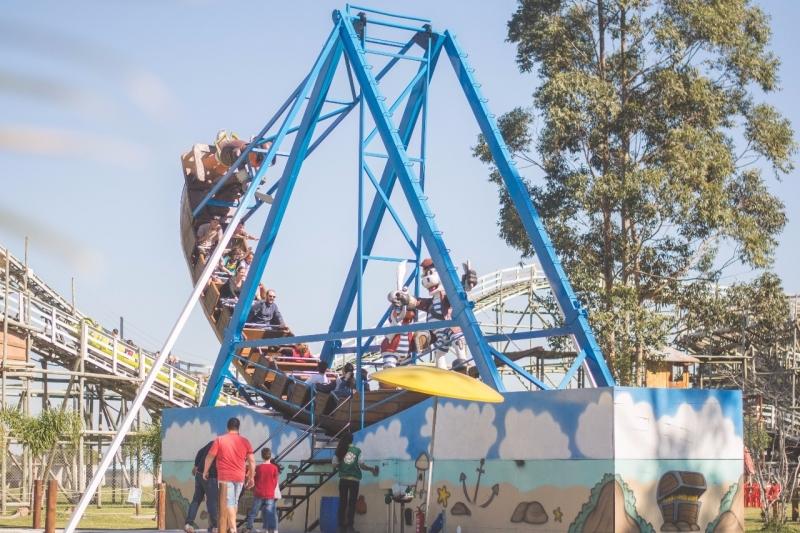Barco pirata é uma das atrações do Acqua Lokos Parque Hotel