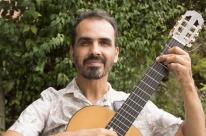 Chico Saraiva apresenta show 'Violão e Canção' no auditório do Instituto Ling