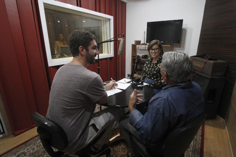 Gravação do podcast do GeraçãoE.  Na foto: Mauro Belo Schneider, Alceu Brasinha e Isadora Jacoby
