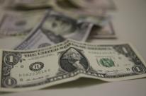 Dólar bate novo recorde e vai a R$ 4,24 mesmo com duas intervenções do BC