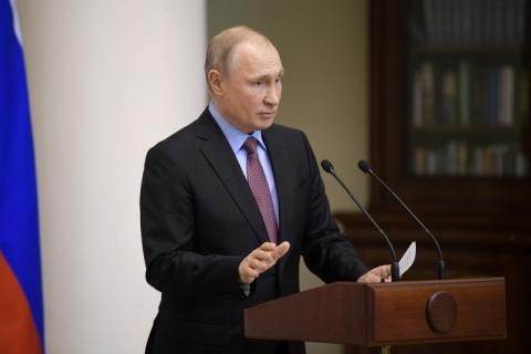 Putin e Zelenski têm primeira conversa sobre paz na Ucrânia