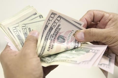 Fluxo cambial total em dezembro até dia 6 é negativo em US$ 2,835 bilhões