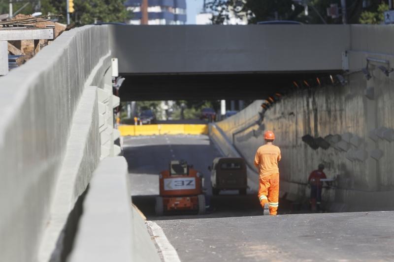Previsão da prefeitura é de que os trabalhos na via sejam totalmente concluídos em junho