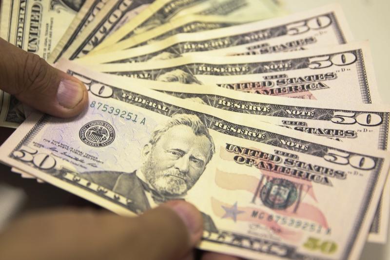 Divisa americana encerrou cotada a R$ 3,7994