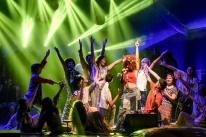 Theatro São Pedro é palco de espetáculo inspirado no movimento hippie
