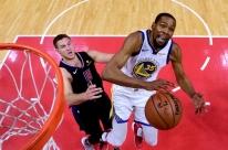 Durant faz 50 pontos, Warriors vencem Clippers e encaram Rockets na semi da NBA