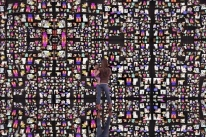 Museum of Me propõe um mergulho em sua alma digital