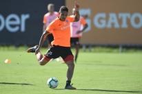 Guerrero reforça o Inter em reencontro com o Flamengo