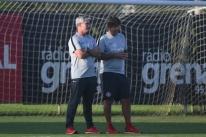 Com dúvidas no meio, Inter enfrenta o Palmeiras em São Paulo