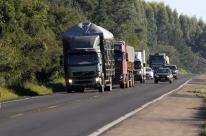 Ministro diz a caminhoneiros que tabela do frete será suspensa nesta segunda-feira