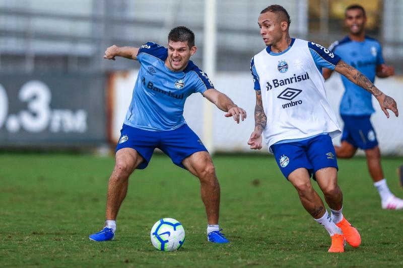 De fora contra o Avaí, Kannemann pode voltar ao time diante do Fluminense