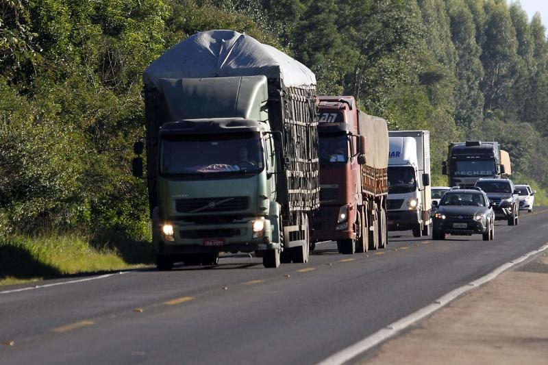 De acordo com levantamento, 80,6% dos entrevistados do setor de cargas e de passageiros tiveram queda de demanda no mês de maio