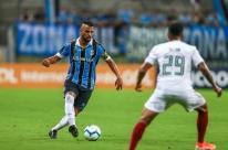 Grêmio sai na frente, mas perde para o Fluminense em jogo com 9 gols