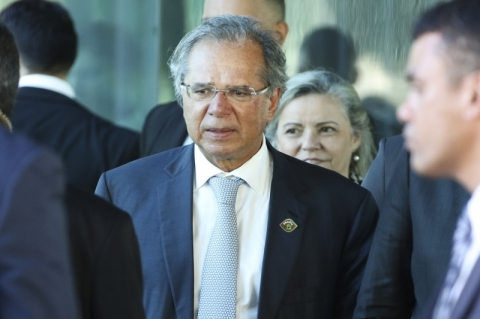 Brasil é sociedade aberta e racismo é menor que nos EUA, diz Guedes