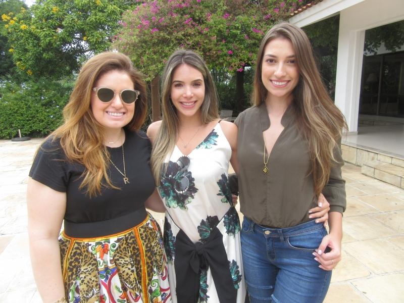Renata Ribeiro, Aline Renner e Julia Linhares Gomes na tarde de domingo no Country Club