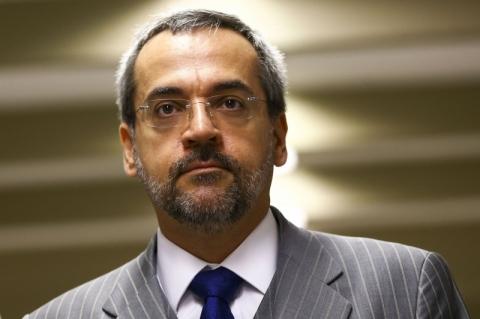 Ministro da Educação não descarta novos cortes e bloqueios na pasta