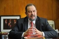 Morre em acidente de carro embaixador do Brasil no Líbano