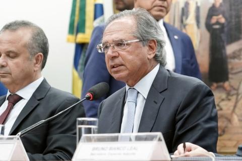 Guedes: 'Esta ilustre plateia do Legislativo tem aposentadoria média de R$ 28 mil'