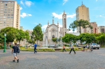 Prefeitura apresenta projeto para revitalizar praça Dante Alighieri