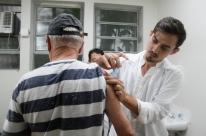 Porto Alegre imuniza quase 300 mil pessoas na campanha contra a gripe