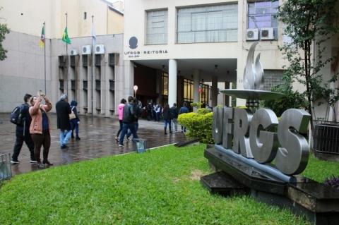 Universidades gaúchas têm segundo maior corte de bolsas da Capes